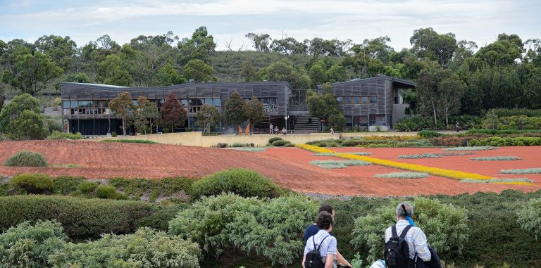 Visitors Centre Royal Botanic Gardens Cranbourne, Australia - Kerstin Thompson Architects