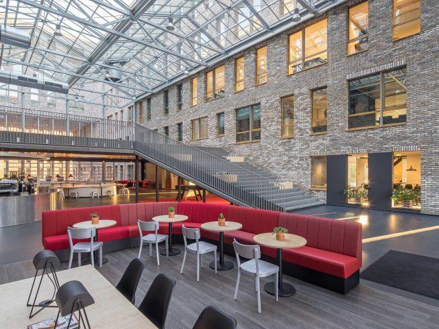 Luchtruim Eindhoven, kantoorgebouw - fotograaf Chiel de Nooyer, interieurfotograaf