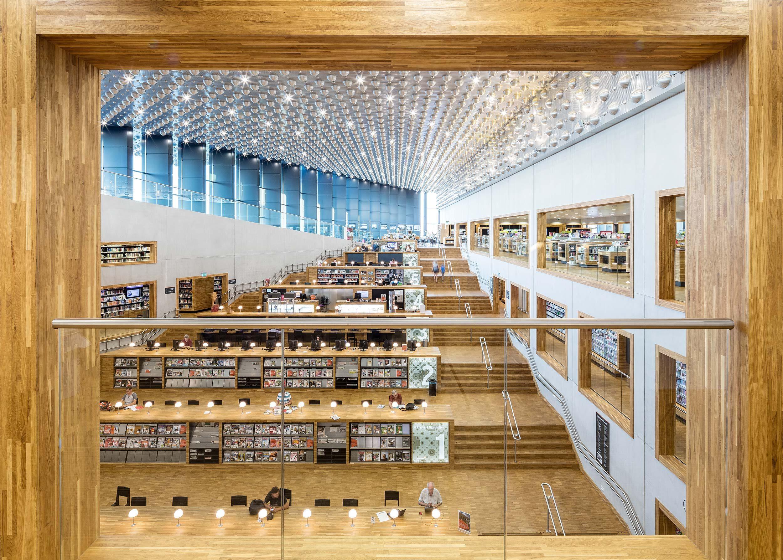 Interieurfotografie door Chiel de Nooyer van Bibliotheek Eemland / Architectuurfotografie Eemhuis, Amersfoort - Neutelings Riedijk Architects - interieur