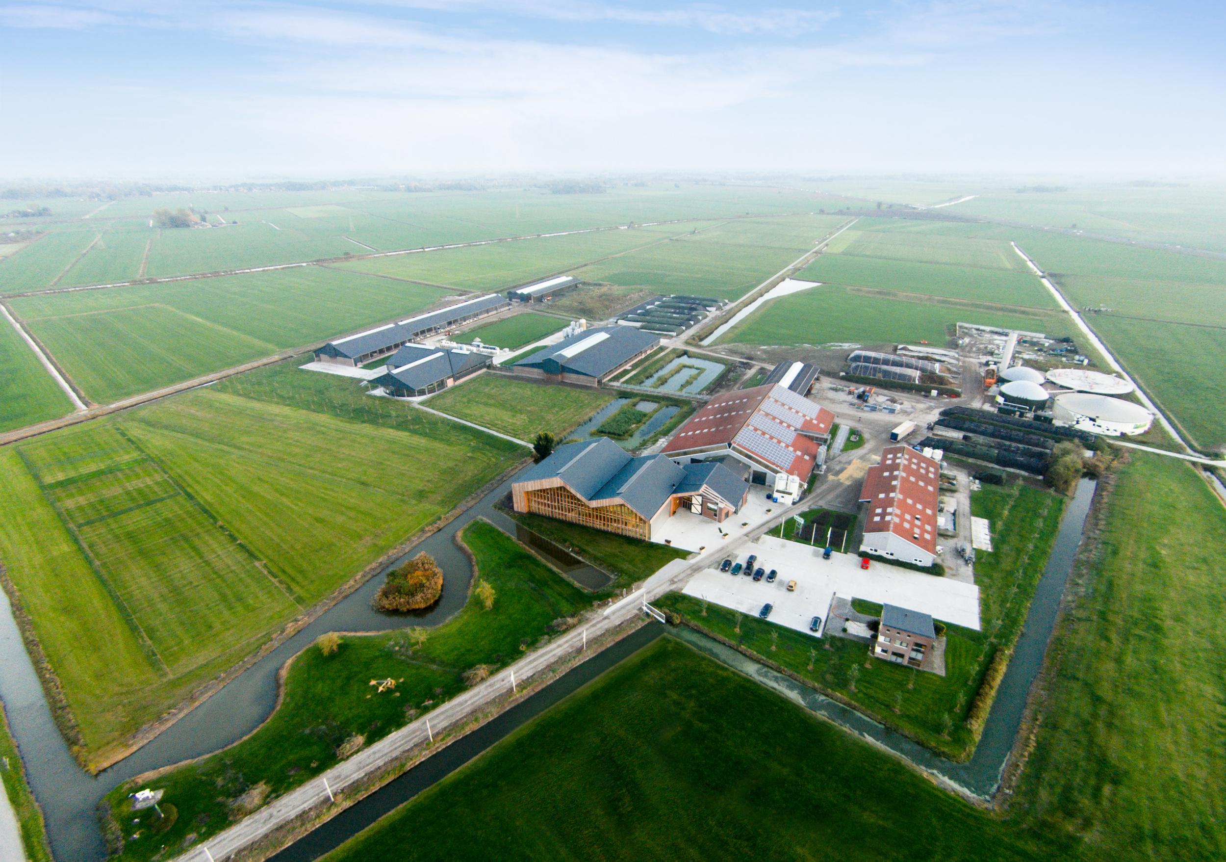 Drone fotografie Dairy Campus, Leeuwarden - Arcadis, Chiel de Nooyer architectuur fotograaf