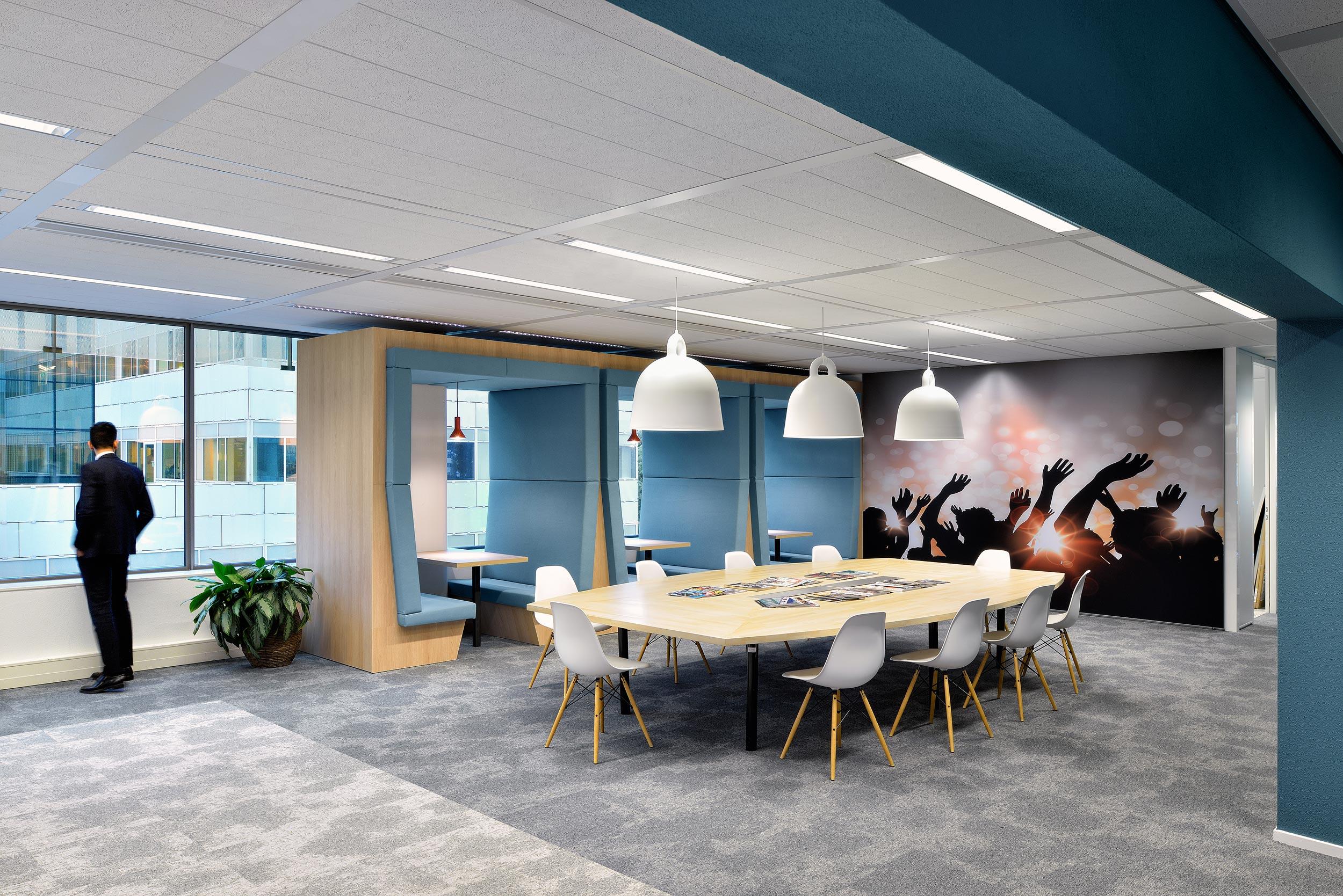 Interieur Harman Kardon kantoorgebouw Apollo Amsterdam - interieurfotograaf Chiel de Nooyer