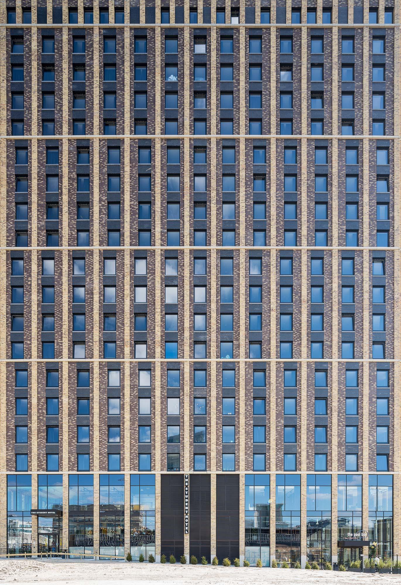 Student Hotel in EStudent Hotel Eindhoven - Architectuurfotograaf Chiel de Nooyerindhoven