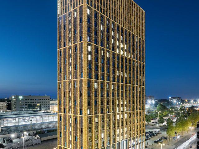 Student Hotel in Eindhoven, architectuurfotografie van hotel door Chiel de Nooyer