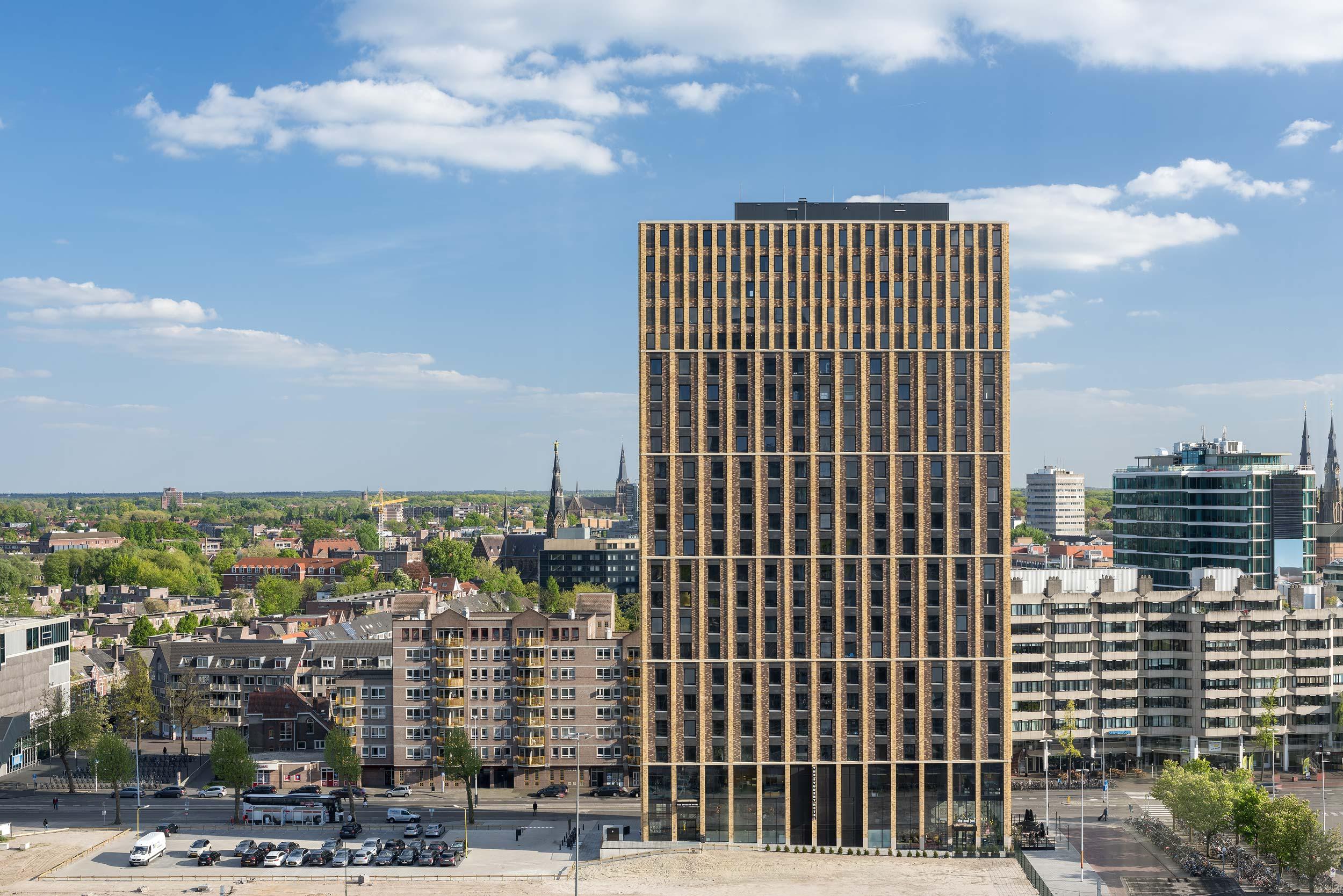 Student Hotel Eindhoven - Architectuur fotograaf Chiel de Nooyer