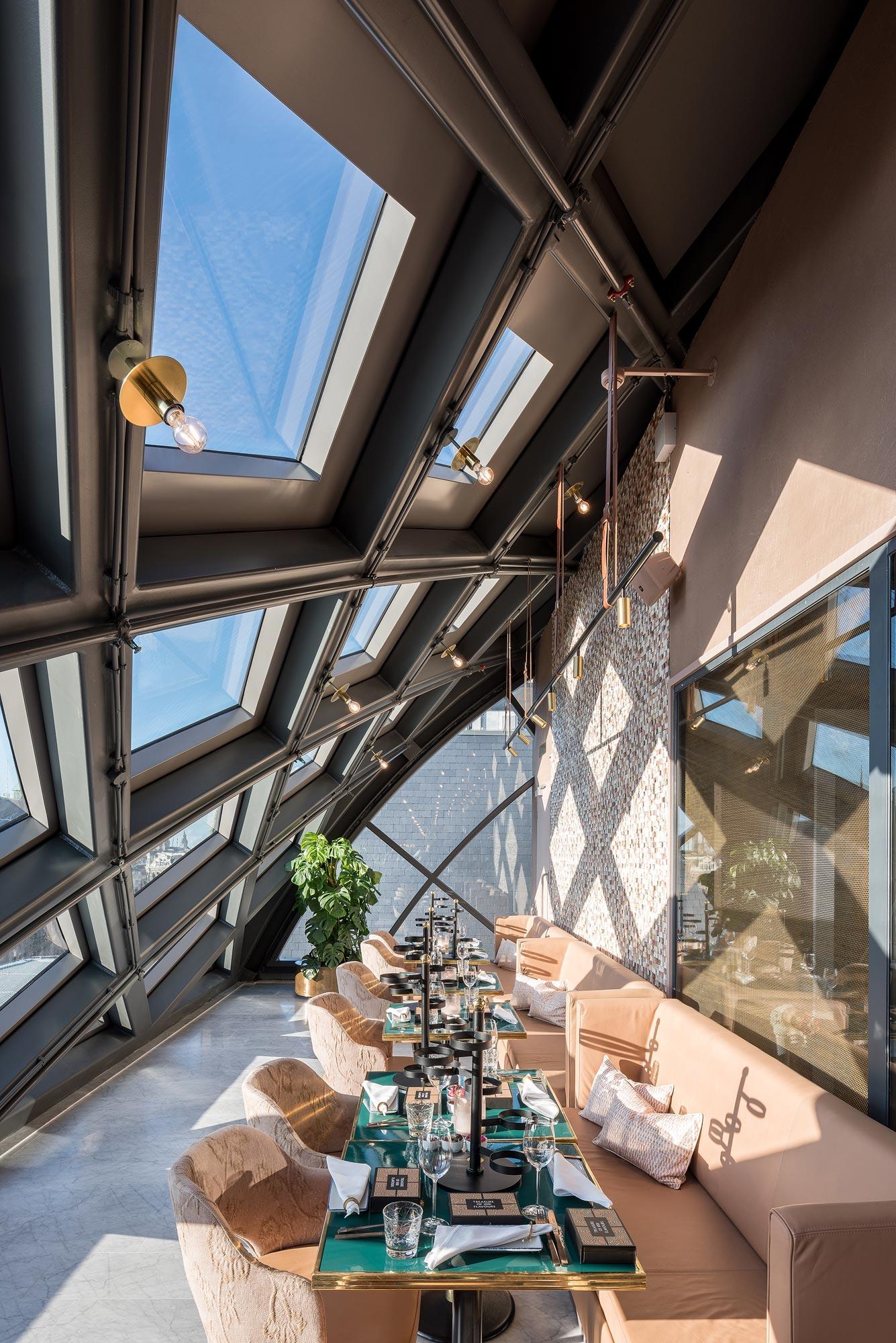 Nacarat restaurant Amsterdam door Chiel de Nooyer fotograaf