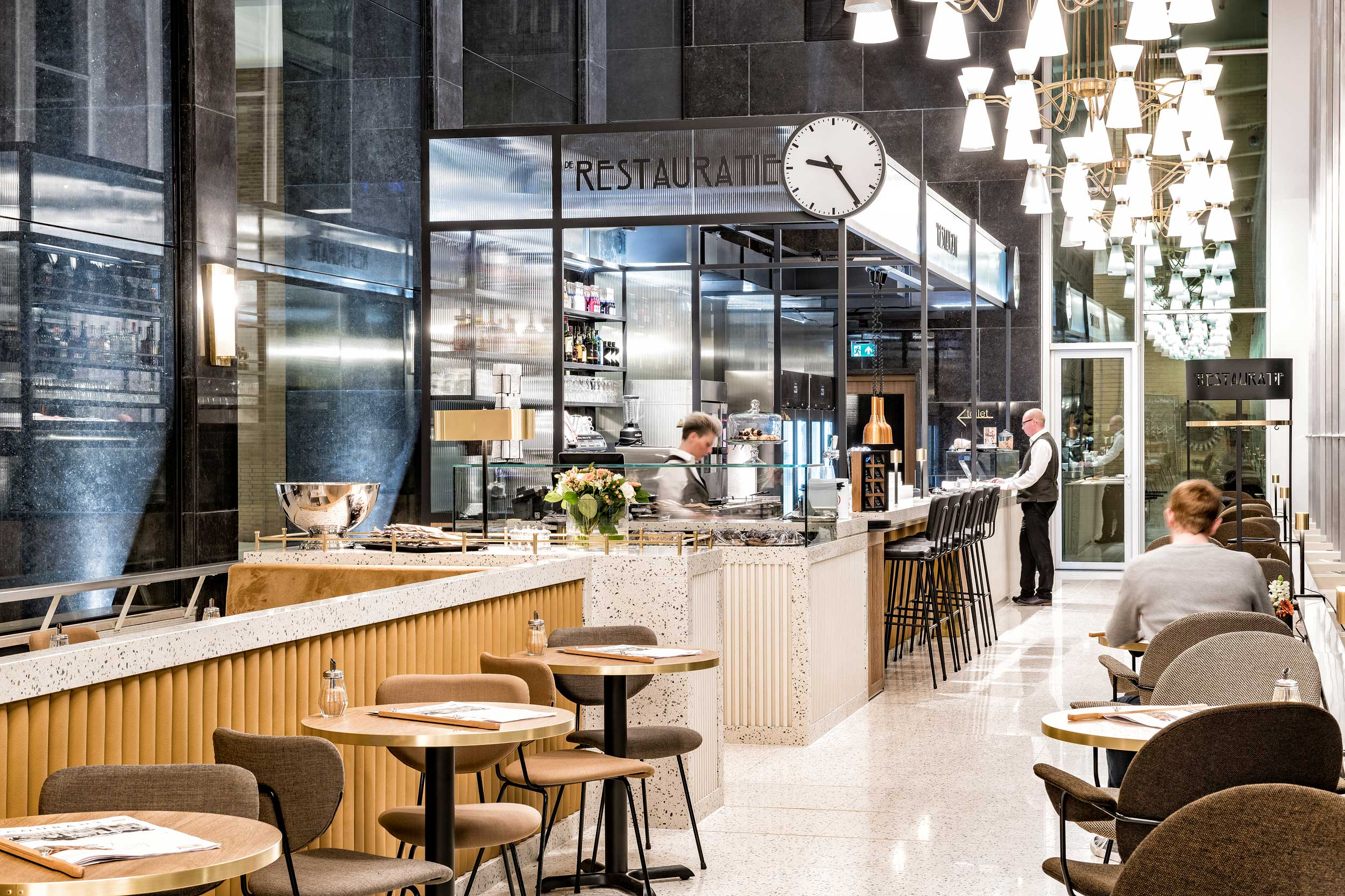 Station Eindhoven De Restauratie - fotografie Chiel de Nooyer, fotograaf interieur en architectuur