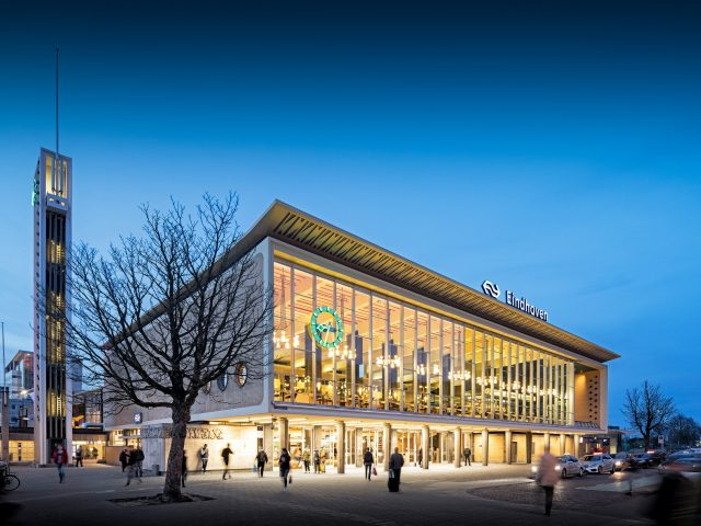Architectuur fotografie station Eindhoven - Chiel de Nooyer