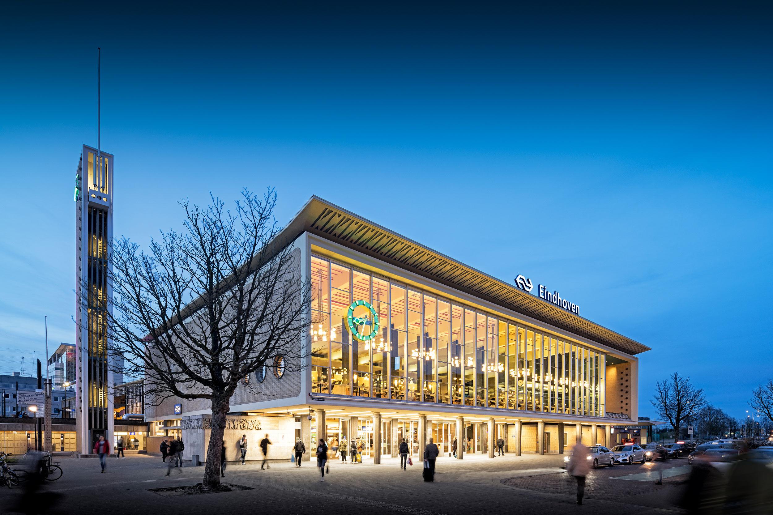 Architectuurfotograaf station Eindhoven - Chiel de Nooyer