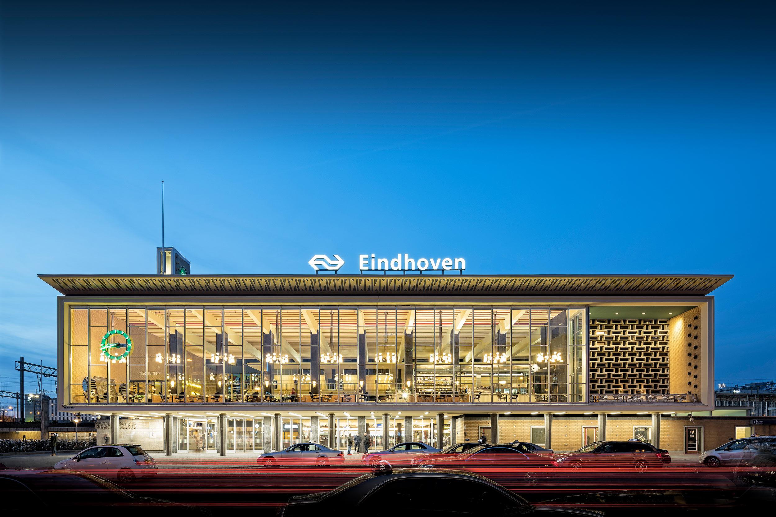 Station Eindhoven - fotografie Chiel de Nooyer, architectuur en interieurfotograaf