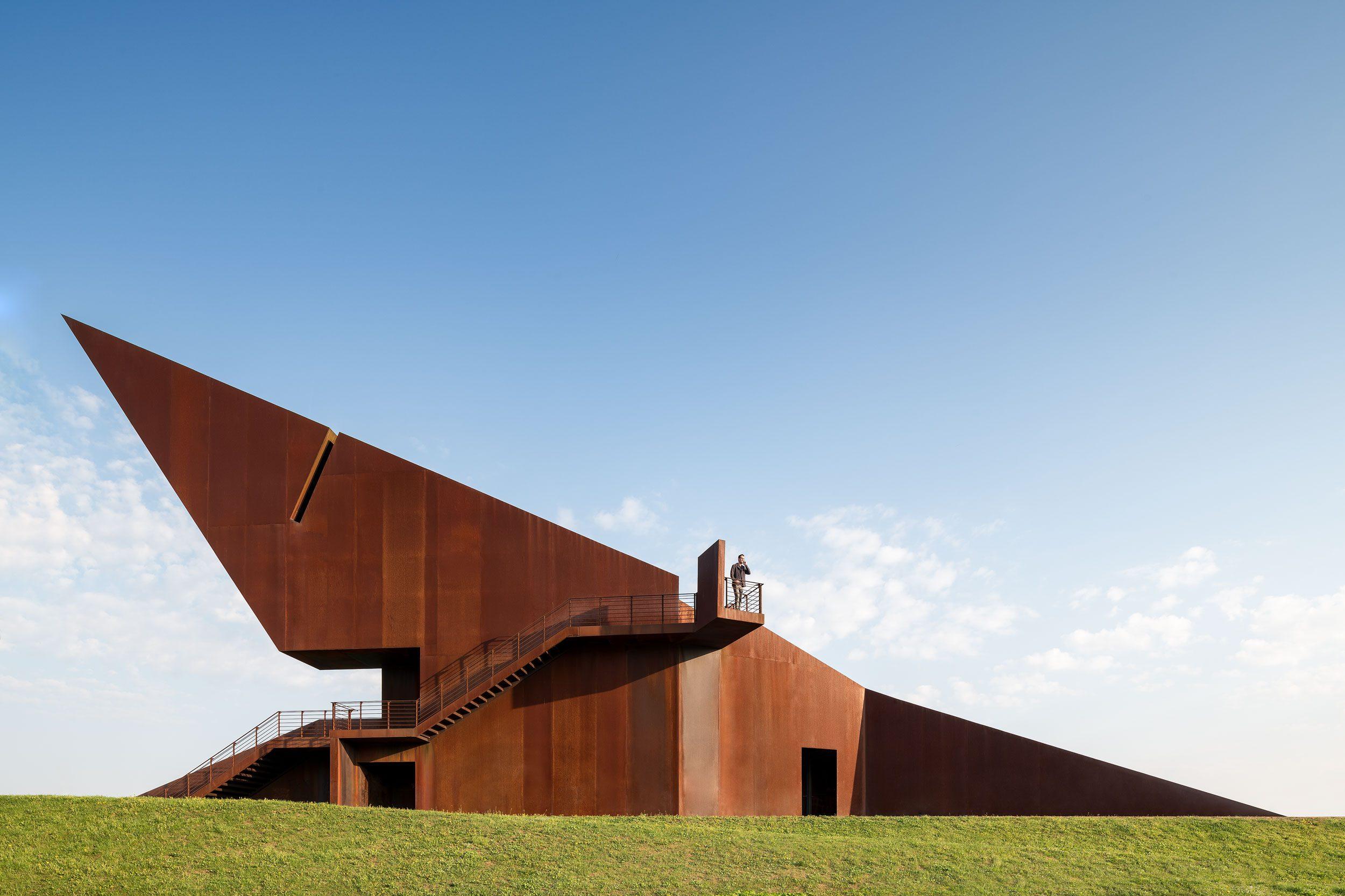 Chiel de Nooyer - architectural photographer Germany