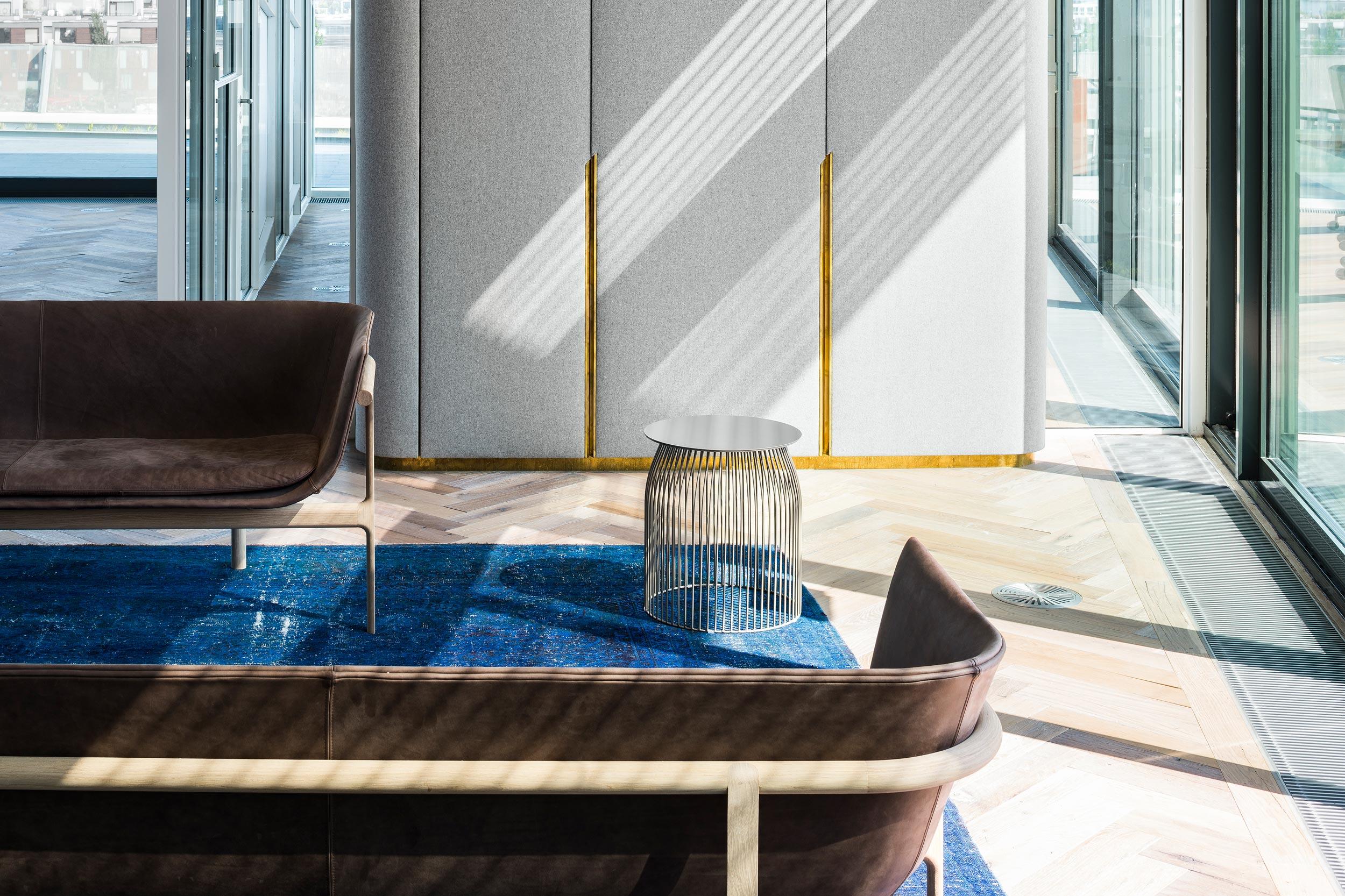 Meubilair in Amvest hoofdkantoor Amsterdam - Chiel de Nooyer, interieurfotograaf
